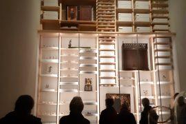 Plaatsen van museumwanden