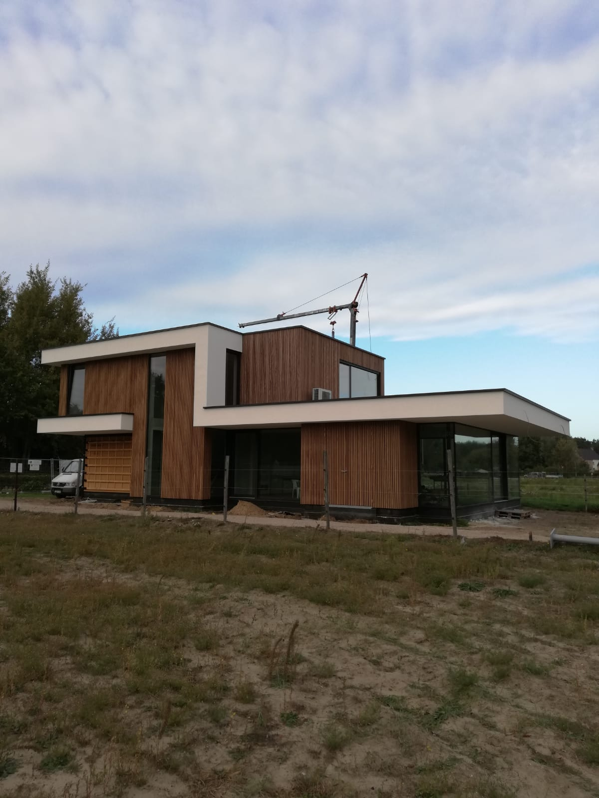 Construeren en plaatsen van een nieuwbouw eengezinswoning in houtskelet